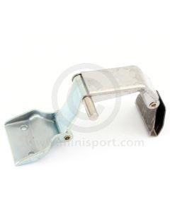 CZH3535 Right hand side, rear quarter light window catch for Mini Mk3 models